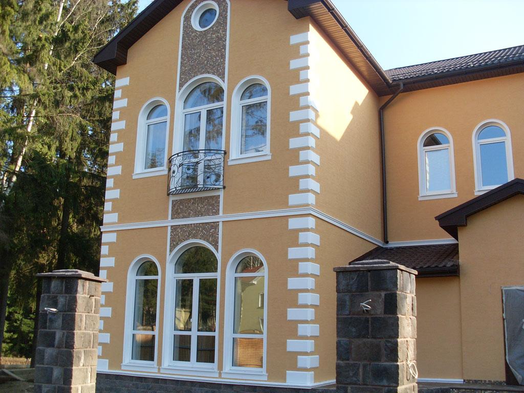 Отделка фасадным декором